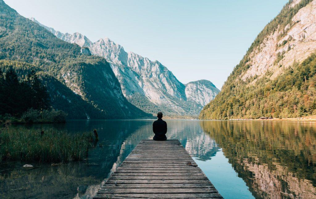 benefici meditazione come iniziare a meditare mindfulness pace interiore